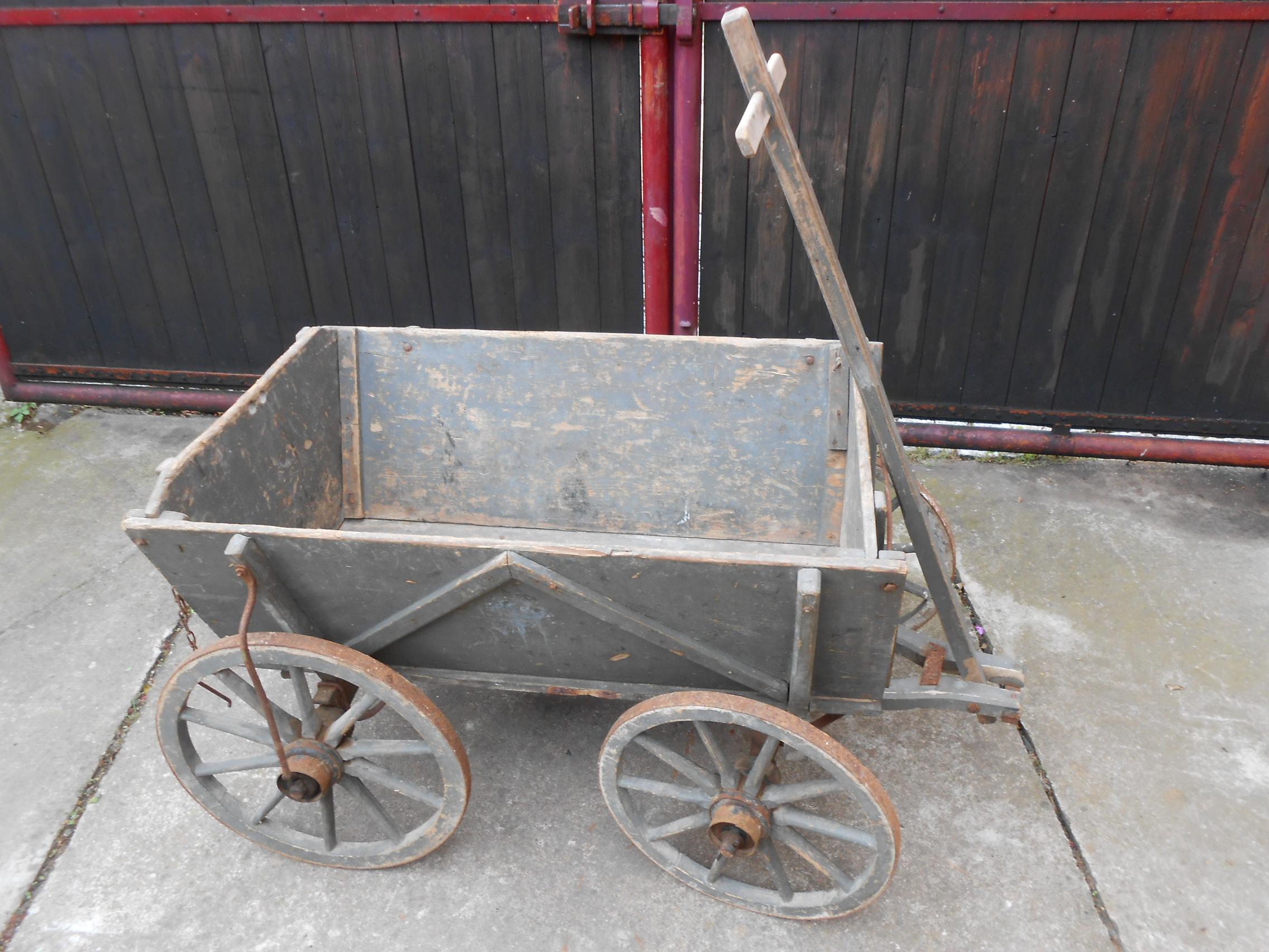 alter antiker handwagen holzwagen bollerwagen leiterwagen. Black Bedroom Furniture Sets. Home Design Ideas